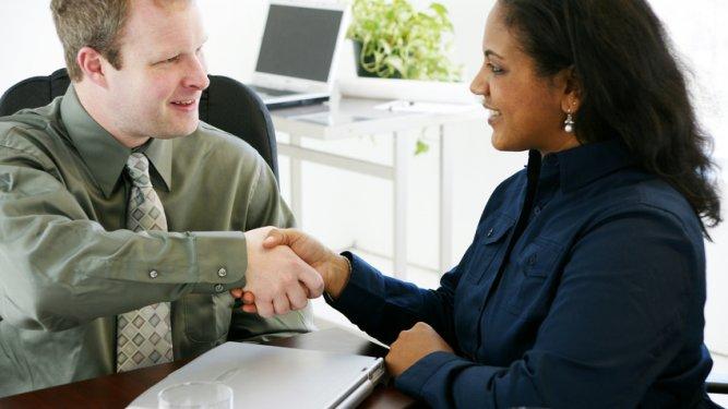 Hablar de trabajo en inglés: career, post, skills, bonus, perks, etc.