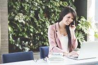 Vocabulario útil para hablar por teléfono en inglés (con PDF y pronunciación)